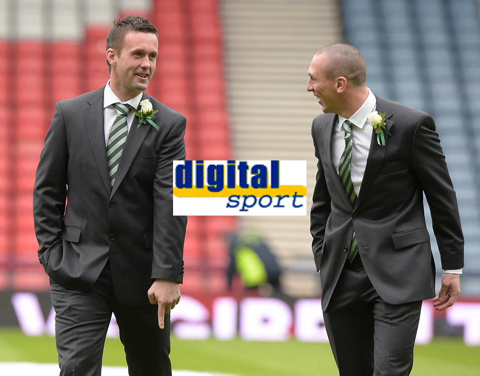 15/03/15 SCOTTISH LEAGUE CUP FINAL<br /> DUNDEE UTD v CELTIC<br /> HAMPDEN - GLASGOW<br /> Celtic manager Ronny Deila enjoys a pre-match chat with captain Scott Brown (right)