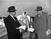 17/11/1959<br /> 11/17/1959<br /> 17 November 1959<br /> Goffs November Bloodstock Sales at Ballsbridge, Dublin. At the sales were (l-r): Mr. P. Quinlan, Knockaney, Hospital,  Co. Limerick; Miss D. Harty, Co. Limerick and Mr. M.J. Qinlty, Co. Limerick?.