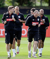 09.08.2010. Arsenal Training Ground, London, ENG, Nationalteam England Training, im Bild Steve Geaard with Wayne Rooney , Bobby Zamora and Ashley Cole, EXPA Pictures © 2010, PhotoCredit: EXPA/ IPS/ Marcello Pozzetti *** ATTENTION ..*** UK AND FRANCE OUT! / SPORTIDA PHOTO AGENCY