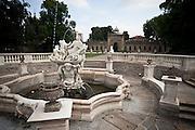 La fontana di Galatea nel parco della villa Litta Borromeo di Lainate...The Galatea fountain in the park of Villa Litta Borromeo in Lainate