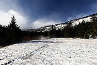 Winter Trail to Storm Pass, Rocky Mountain National Park. Image taken with Nikon D300 an 17-35 mm f/2.8 lens (ISO 200,17 mm, f/22, 1/40 sec).