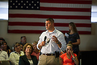 Community Forum on Substance Abuse with Hillary Clinton at Laconia Boys and Girls Club.  ©2015 Karen Bobotas Photographer