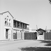 0609-106-05 entrance to Warner lot on Warner Blvd., Burbank, California, about 1975