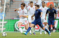 Fotball , 11. juni 2012 , Euro , England - Frankrike<br /> v.l. Scott Parker, Yohan Cabaye (Frankreich)<br /> Norway only