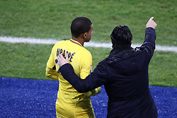 December 13, 2017 - Strasbourg, France - Unai Emery head coach of PSG gives his instructions to Mbappe Lottin Kylian of PSG during the french League Cup match, Round of 16, between Strasbourg and Paris Saint Germain on December 13, 2017 in Strasbourg, France. (Credit Image: © Elyxandro Cegarra/NurPhoto via ZUMA Press)