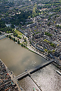 Nederland, Limburg, Gemeente Maastricht, 27-05-2013; De Maas met beneden de Sint Servaasbrug en de Maasboulevard rechts, en de historische binnenstad, links de Oeverwal in stadsdeel Wyck en iets hoger de fiets- en voetgangersbrug Hoge Brug (architect René Greisch)  naar Wyck en de nieuwe wijk Ceramique.<br /> The river Maas (Meuse) with the St. Servaas Bridge (bottom), and the Maasboulevard, the Old Town on the right  and other bank the new constructed district Ceramique.<br /> luchtfoto (toeslag op standaardtarieven);<br /> aerial photo (additional fee required);<br /> copyright foto/photo Siebe Swart.