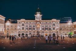 THEMENBILD - die Piazza dell'Unità d'Italia ist der Hauptplatz der norditalienischen Stadt Triest am Abend. Als größter Platz der Stadt wird er auch als Piazza Grande bezeichnet, aufgenommen am 11. August 2019 in Triest, Italien // Piazza dell'Unità d'Italia is the main square of the northern Italian city of Trieste in the evening. It is also known as Piazza Grande and is the largest square in the city, in Trieste, Italy on 2019/08/11. EXPA Pictures © 2019, PhotoCredit: EXPA/ JFK