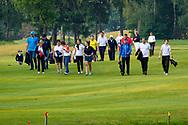 28-05-2016 Foto's van de kruisfinales in de hoofdklasse van de NGF Competitie 2016.<br /> Foto: Laatste flights lopen terug. Genomen tijdens Finaleweekend NGF Hoofdklasse 2016 bij Goyer Golf & Country Club in Eemnes, Nederland.