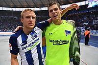 BILDET INNGÅR IKEK I FASTAVTALER. ALL NEDLASTING BLIR FAKTURERT.<br /> <br /> Fotball<br /> Tyskland<br /> Foto: imago/Digitalsport<br /> NORWAY ONLY<br /> <br /> Per Ciljan Skjelbred (Hertha BSC), und Rune Almenning Jarstein (Torwart Hertha BSC), nach dem Spiel in der Ostkurve Hertha BSC Berlin - HSV, Hamburger Sportverein 1. Bundesliga 2016/2017, 1. BL, 1. Bundesliga, DFL, Fußball, Fussball, soccer, Herren, Männer, Maenner, Deutschland, Germany, Ergebnis Berlin, 1.10.2016, Olympiastadion