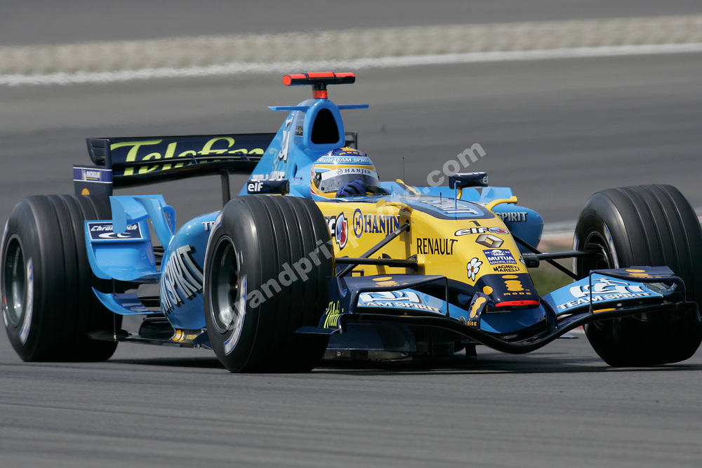 Fernando Alonso (Renault) in qualifying for the 2006 European Grand Prix at the Nurburgring. Photo: Grand Prix Photo