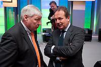 12 JAN 2009, KOELN/GERMANY:<br /> Michael Sommer (L), Bundesvorsitzender DGB, und Frank Bsirske (R), Bundesvorsitzender ver.di, im Gespraech, 50. Gewerkschaftspolitische Arbeitstagung des Deutschen Beamtenbundes, dbb, Messe Koeln<br /> IMAGE: 20090112-01-179<br /> KEYWORDS: Gespräch
