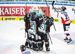 12.11.2019, Keine Sorgen Eisarena, Linz, AUT, EBEL, EHC Liwest Black Wings Linz vs HC Orli Znojmo, 19. Runde, im Bild linz feiert das 1 zu 0 durch Andreas Kristler (EHC Liwest Black Wings Linz) // during the Erste Bank Eishockey League 19th round match between EHC Liwest Black Wings Linz and HC Orli Znojmo at the Keine Sorgen Eisarena in Linz, Austria on 2019/11/12. EXPA Pictures © 2019, PhotoCredit: EXPA/ Reinhard Eisenbauer