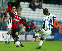 Fotball<br /> FA Cup England<br /> Tredje runde<br /> 09.01.2005<br /> Foto: SBI/Digitalsport<br /> NORWAY ONLY<br /> <br /> Yeading FC v Newcastle<br /> <br /> Yeading's DJ Campbell latches onto a through ball before Titus Branble can reach it