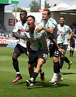 BILDET INNGÅR IKEK I FASTAVTALER. ALL NEDLASTING BLIR FAKTURERT.<br /> <br /> Fotball<br /> Tyskland<br /> Foto: imago/Digitalsport<br /> NORWAY ONLY<br /> <br /> 07.08.2016 - Fussball - Saison 2016 2017 - 2. Fussball - Bundesliga - 01. Spieltag: SpVgg Greuther Fürth Fuerth - TSV 1860 München Muenchen Löwen Loewen - / DaMa - Jubel nach Tor zum 1:0 - Khaled Narey (21, SpVgg Greuther Fürth ) Robert Zulj (20, SpVgg Greuther Fürth ) Veton Berisha (19, SpVgg Greuther Fürth ) - Freude / Torjubel - Torschütze: Robert Zulj (20, SpVgg Greuther Fürth )