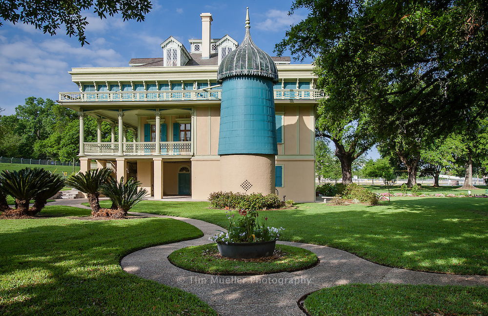 San Francisco Plantation is one of the sites of Louisiana's African-American Heritage Trail.