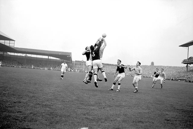 All Ireland Senior Football Championship Final, Dublin v Galway, 22.09.1963, 09.23.1963, 22nd September 1963, Dublin 1-9 Galway 0-10,.N Tierney (3) Galway Full Back punches clear, .
