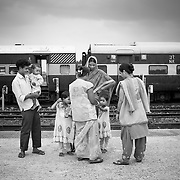 A transit team at Jogbani train station checks finger marking on all children entering the station and vaacinate the ones that have not been vaccinated so far. Transit teams are deployed at strategic locations including international borders to reach mobile and migrant populaitons.