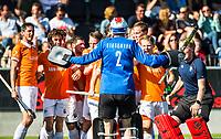AMSTELVEEN  - Hockey -  1e wedstrijd halve finale Play Offs dames.  Amsterdam-Bloemendaal (5-5), Bl'daal wint na shoot outs.  Jaap Stockmann is de held.  COPYRIGHT KOEN SUYK