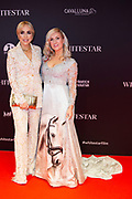 Feestelijke premiere Britt Dekkers Whitestar in Pathe Tuschinski.<br /> <br /> Op de foto:  Kimberly Fransens en Britt Dekker