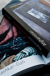Foto cover libro fotogiornalistico Afghanistan Camera Oscura di Kash Gabriele Torsello..Afghanistan CameraOscura .ISBN 978-88-90617300 .ISBN-A 10.978.88906173/00.320 Pagine | 180 Fotografie.formato 17x24x2.5 cm.peso circa Kg 1,2