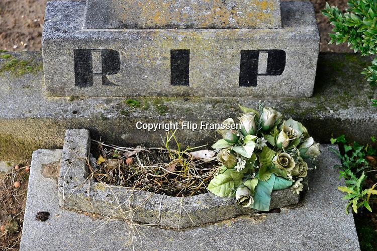 Nederland, Balgoy, 21-10-2016Graven op de begraafplaats van dit dorp .Foto: Flip Franssen