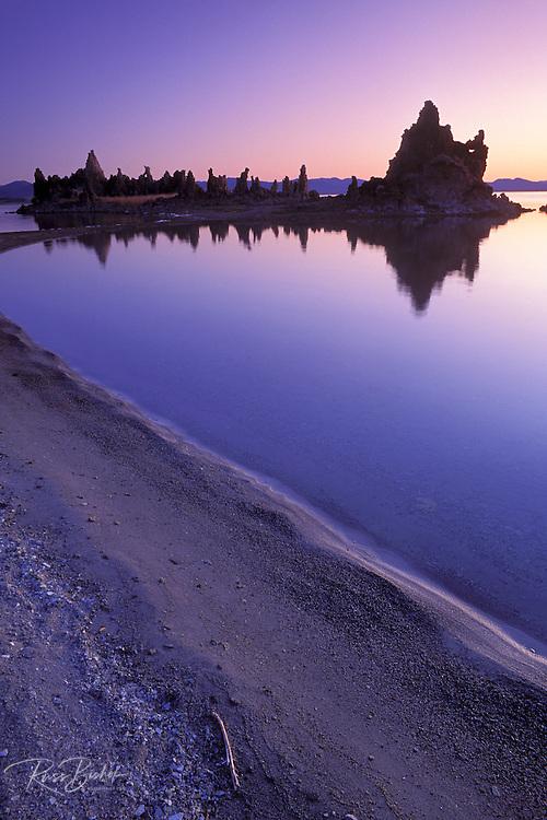 Tufa formations at dawn from the south shore of Mono Lake, Mono Basin National Scenic Area, California