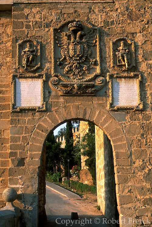SPAIN, LA MANCHA, TOLEDO gateway on the San Martin Bridge