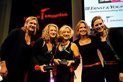 13-12-2010 ALGEMEEN: TOPSPORT GALA AMSTERDAM: AMSTERDAM<br /> In de Westergasfabriek werd het gala van de beste sportman, -vrouw, coach en ploeg gekozen /Beste sportploeg met Femke Dekker, Nienke Kingma, Chantal Achterberg en Carline Bouw en coach van het jaar Susannah Cjayes <br /> ©2010-WWW.FOTOHOOGENDOORN.NL