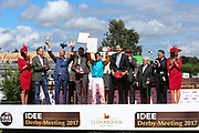 Pferdesport: 148. Deutsches Galopp Derby, Hamburg, 02.07.2014<br /> Siegerehrung: Sieger Maxim Pecheur auf Windstoß, Innen- und Sportsenator Andy Grote, Edda und Albert Darboven<br /> © Torsten Helmke