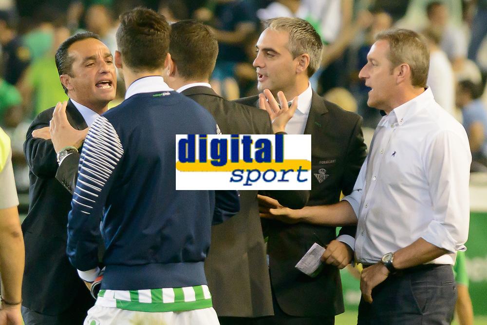 Fulltime disagreement between coaches Jose Luis Oltra (L) and Julio Velazquez (R) between Real Betis and Recreativo de Huelva day 10 of the spanish Adelante League 2014-2015 014-2015 played at the Benito Villamarin stadium of Seville. (PHOTO: CARLOS BOUZA / BOUZA PRESS / ALTER PHOTOS)