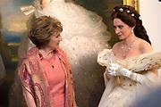 """Opening tentoonstelling 'Sisi, sprookje & werkelijkheid' te Paleis Het Loo. De tentoonstelling belicht het levensverhaal van Keizerin Elisabeth. Aan de hand van filmfragmenten, foto's, schilderijen en persoonlijke bezittingen worden haar jeugd, haar leven aan het Weense hof, haar kroning tot Koningin van Hongarije en de mythevorming rond haar persoon geïllustreerd.<br /> <br /> Opening exhibition """"Sisi, fairy tale and reality 'to Palace Het Loo. The exhibition highlights the life of Empress Elisabeth. On the basis of film clips, photographs, paintings and personal belongings are her childhood, her life at the Viennese court, her coronation as Queen of Hungary and the myths around her person illustrated.<br /> <br /> Op de foto/ On the Photo: Pia Douwes als  Keizerin Elisabeth ,  algemeen bekend onder haar bijnaam Sisi en  Prinses Margriet"""