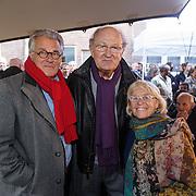 NLD/Amsterdam/20160515 - Nationaal Holocaust museum opent met schilderijen Jeroen Krabbé, Joop van der Ende met Jeroen Krabbe en partner Herma