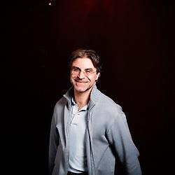 Portrait du metteur en scene de theatre Didier Caron, pour Telerama Sortir. Theatre Michel a Paris, France. 27 fevrier 2009. Photo : Antoine Doyen