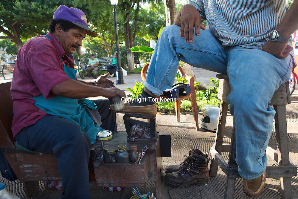 shoe polisher in nicaragua