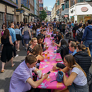 entertain the visitors at Carnaby Street hosts a one day food festival.