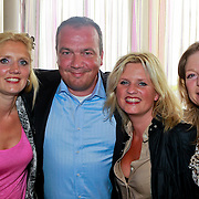 NLD/Ridderkerk/20110526 - Presentatie Helden magazine 9, uitgever Sanoma