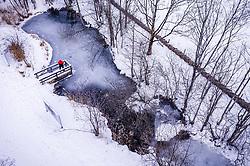 THEMENBILD - ein Mann auf einem Steg bei einem Teich am Klammsee, aufgenommen am 06. Februar 2019 in Kaprun, Oesterreich // a man on a jetty by a pond at Klammsee in Kaprun, Austria on 2019/02/06. EXPA Pictures © 2019, PhotoCredit: EXPA/ JFK