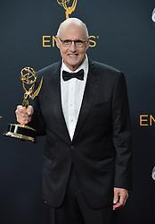 Jeffrey Tambor  im Press Room bei der Verleihung der 68. Primetime Emmy Awards in Los Angeles / 180916<br /> <br /> *** 68th Primetime Emmy Awards in Los Angeles, California on September 18th, 2016***