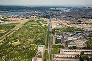 Nederland, Amsterdam, Oud-Zuid, 17-06-2008; overzicht van Amsterdam-West: midden in beeld Haarlemmervaart en Haarlemmerweg met hoofdkantoor van de voormalige Postbank (onderdeel ING); links volktuinen in de Overbraker binnenpolder; rechtsonder Bos en Lommer, middenplan rechts Staatsliedenbuurt, links aan het IJ Spaarndammerbuurt; aan de horizon mondt het IJ uit in het IJsselmeer; volkstuin, tuinhuisje..luchtfoto (toeslag); aerial photo (additional fee required); .foto Siebe Swart / photo Siebe Swart