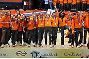 Nederlandse Olympische ploeg komt thuis en wordt gehuldigd op het plein voor Station Den Bosch.<br /> <br /> Op de foto:  o.a. Ranomi Kromowidjojo , Marianne Vos en Epke Zonderland en Edith Bosch