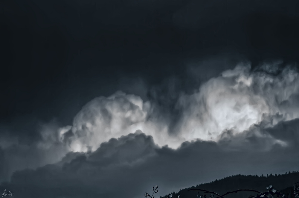 Thunderheads in late afternoon, a Black and White image.