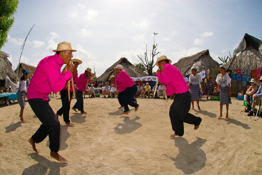 Kuna Indian cultural performance (dancing and playing flutes), Wichub Wala Island, San Blas Islands (Kuna Yala), Caribbean Sea, Panama