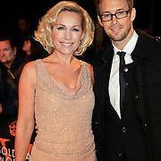 NLD/Katwijk/20101030 - Inloop premiere musical Soldaat van Oranje, Tanja Jess en partner Charlie Luske