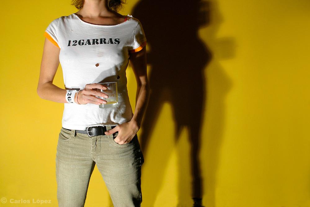 GRUPO DE ROCK 12 GARRAS.SESION FOTOGRAFICA .ELLOS SON RAUL, EDUARDO, FERNANDO Y SARA