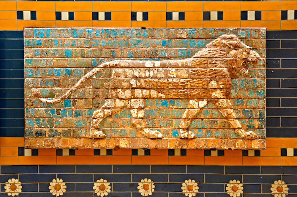 Lion relief on glazed bricks from the Ishtar Gate, Babylon, Iraq constructed in about 575BC by order of King Nebuchadnezzar II on the north side of the city. Dedicated to the Babylonian goddess Ishtar, the monumental gate joined the inner & outer walls of Babylon it was one of the Seven Wonders of the ancient world. Istanbul Archaeological Museum..<br /> <br /> If you prefer to buy from our ALAMY PHOTO LIBRARY  Collection visit : https://www.alamy.com/portfolio/paul-williams-funkystock/babylon-antiquities.html  Type -    Istanbul    - into the LOWER SEARCH WITHIN GALLERY box to refine search by adding background colour, place, museum etc<br /> <br /> Visit our ANCIENT WORLD PHOTO COLLECTIONS for more photos to download or buy as wall art prints https://funkystock.photoshelter.com/gallery-collection/Ancient-World-Art-Antiquities-Historic-Sites-Pictures-Images-of/C00006u26yqSkDOM