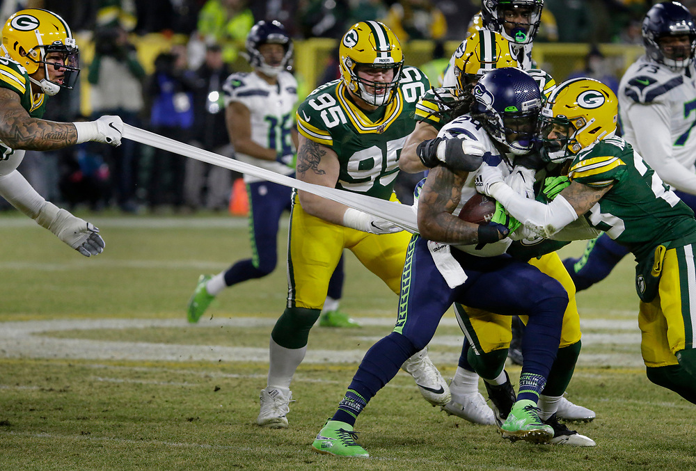 during the first half of an NFL divisional playoff football game Sunday, Jan. 12, 2020, in Green Bay, Wis. (AP Photo/Mike Roemer)