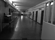 Women's Prison At Mountjoy.  (R98)..1989..16.03.1989..03.16.1989..16th March 1989..Mountjoy Prison for women originally opened in 1858 for female inmates of 18years and upwards. In 1956 due to the low number of women incarcerated the majority of the prison was handed over as a young male offender prison (St Patrick's Institution)..The women's section was transferred to the basement area of the existing building...A view of a two person cell in Mountjoy Women's Prison.