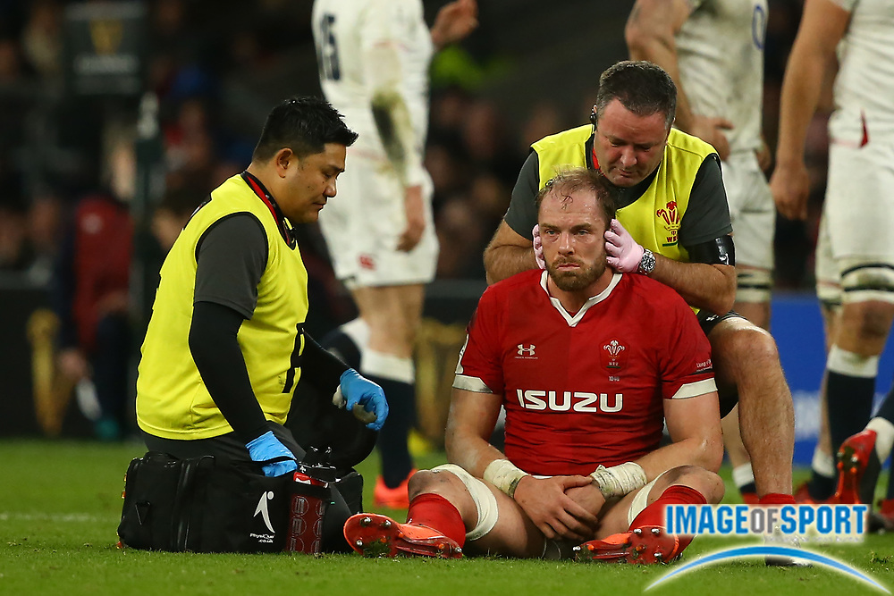 Alun Wyn Jones of Wales gets treatment during the Guinness Six Nations between England and Wales at Twickenham Stadium, Saturday, March 7, 2020, in London, United Kingdom. (Mitchell Gunn-ESPA-Images/Image of Sport)