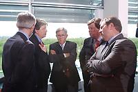 02 MAY 2002, BERLIN/GERMANY:<br /> Dr. Urs Rohner, Vorstandsvorsitzender PRO 7 SAT.1 Media AG, Gerhard Zeiler, Geschaeftsfuehrer RTL Television GmbH, und Juergen Doetz, Praesident Verband Privater Rundfunk- und Telekommunikation e.V., Karl-Ulrich Kuhlo, Aufsichtsratsvorsitzender n-tv Nachrichtenfernsehen GmbH & Co. KG, und Dieter Gorny, Geschaeftsfuehrer VIVA Fernsehen GmbH, (v.L.n.R.), im Gespraech, vor dem Gespraech des Bundeskanzlers mit den Intendanten der Fernsehsender ueber die Frage der Wirkung von Gewaltdarstellung im Fernsehen, Kabinettsaal, Bundeskanzleramt <br /> IMAGE: 20020502-03-013<br /> KEYWORDS: Gewalt, Fernsehen, TV, Geschäftsführer, Gespräch, PRO SIEBEN, Jürgen Doetz, Präsident