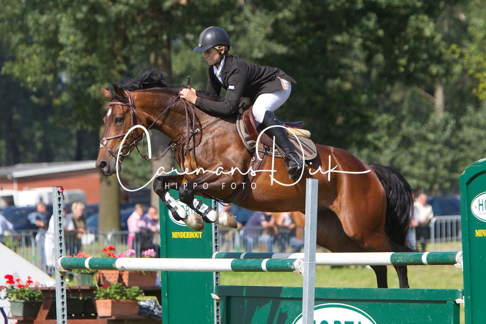 Van Hamme Gilles (BEL ) Gigipeke Deux<br /> Nationaal Kampioenschap Jonge Paarden Merksplas 2011<br /> © Dirk Caremans